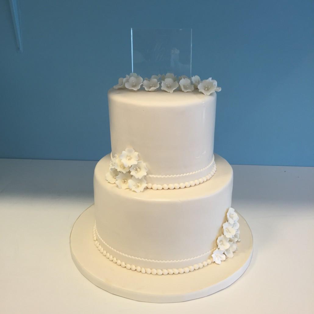 Custom Wedding Cakes – Millers Bakery